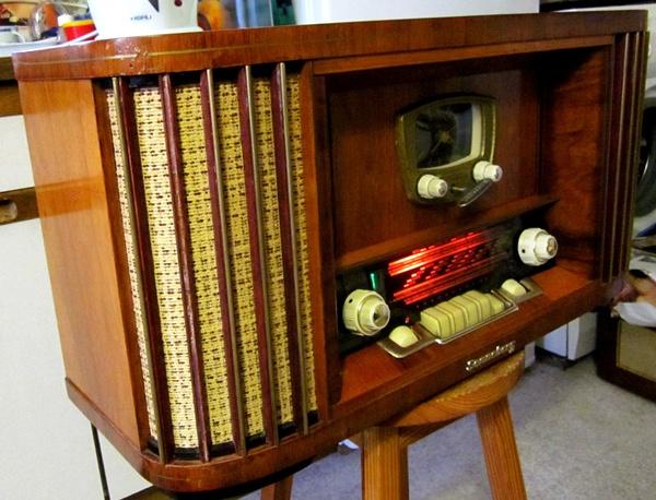 Ламповые радиоприёмники деда Панфила - Страница 6 9e9a0a7043bb55f2b4f8265086fecf2c