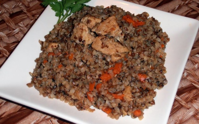 Гречка тушеная с мясом рецепт с фото