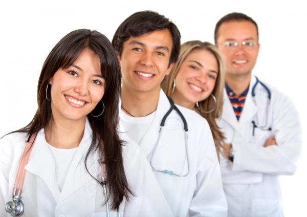 Минздрав КБР заключает договора с молодыми специалистами на участие в программе «Земский доктор»