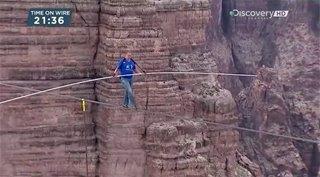 Discovery. Ник Валленда. Человек над Большим Каньоном / Sky Wire With Nik Vallenda (2013) HDTVRip