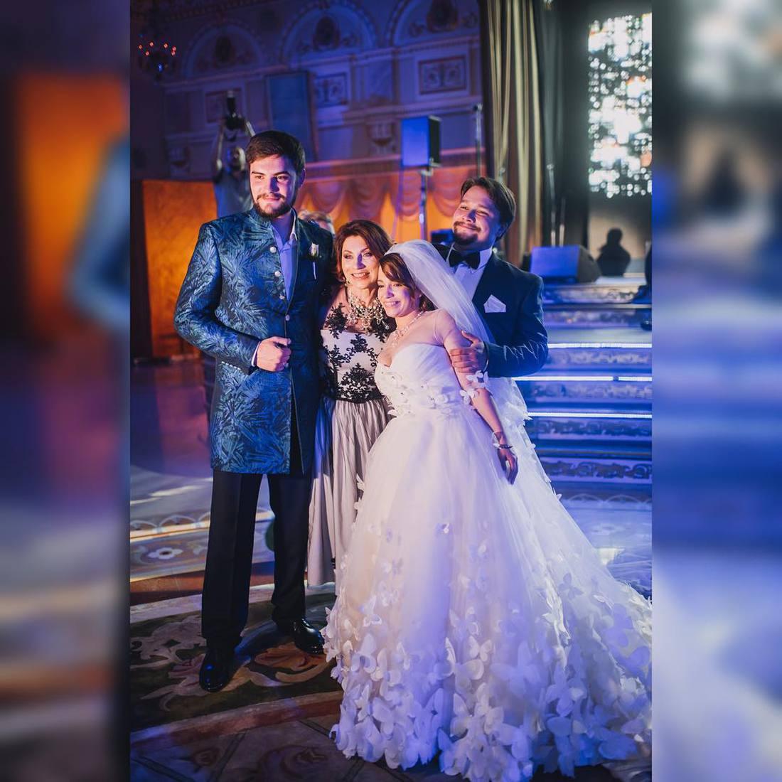 Роза сябитова фото свадьбы дочери