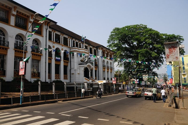 6140413-3-_The_Cotton_Tree_and_the_Law_courts_two_major_landmarks_of_Freetown-0.jpg