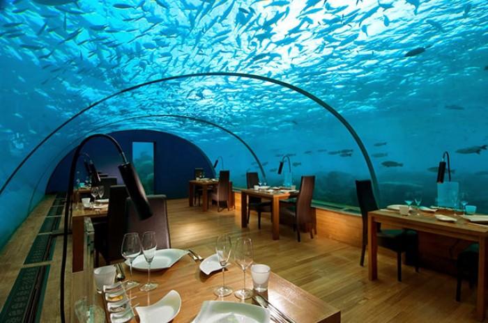 Ithaa-Under-Restaurant-passion4luxury.jpg