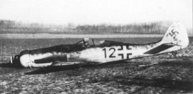 Fw190D_crashed1945.jpg