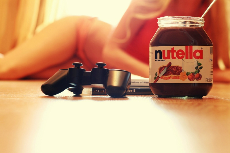 My GF Likes It When I Spread Nutella On Her