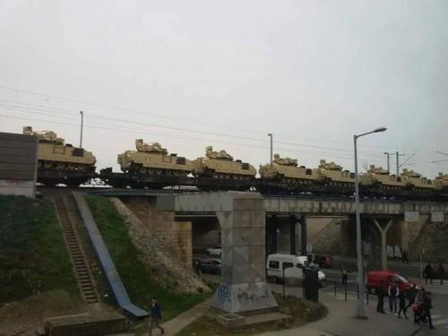 Tank_Bradley-Bp..jpg