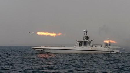 446154-1212iranian-navy-drill.jpg