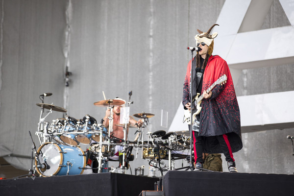 Jared+Leto+Thirty+Seconds+Mars+Perform+Top+7qRKPodvx_wl.jpg