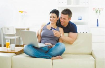 родители-покупают-одежду-в-интернете-ребенку-700x457.jpg