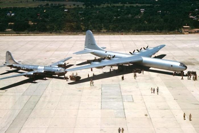 B-36aarrivalcarswell1948.jpg