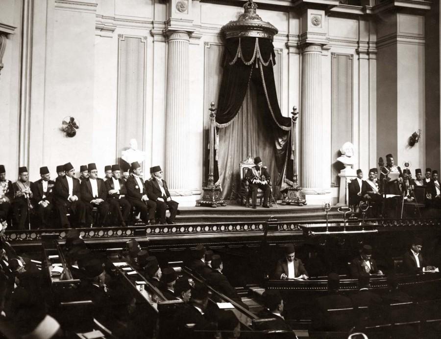 ModernEgypt,_Farouk_I_in_Parliament,_DHP13655-13-11_01.jpg